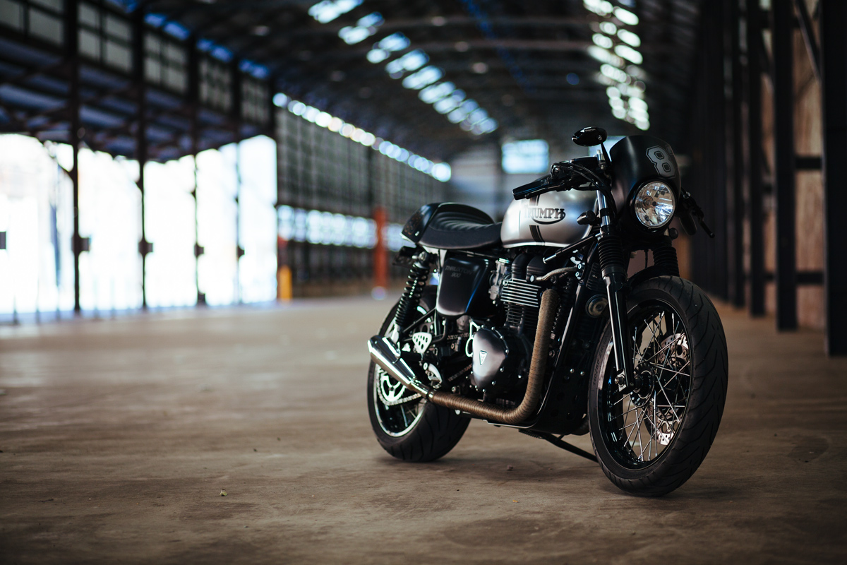 Triumph Cafe Racer >> Andre's Triumph Thruxton Cafe Racer | Throttle Roll