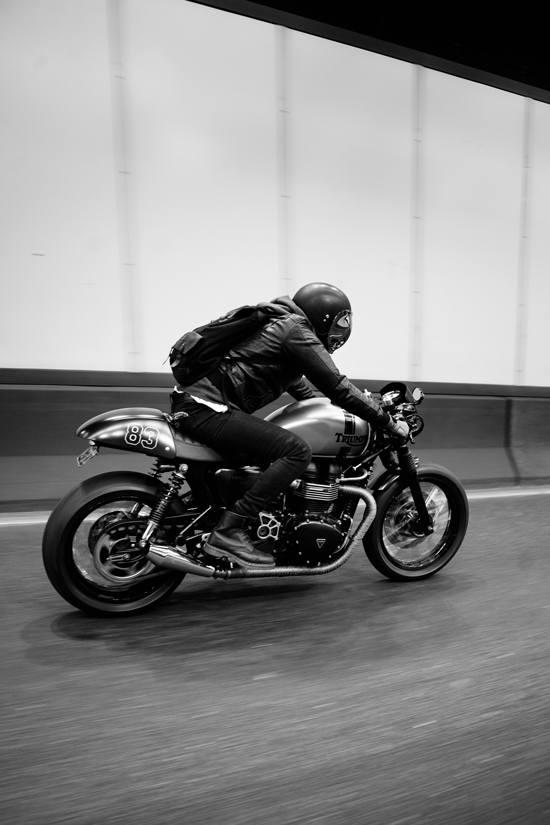 Harley Davidson Font >> Andre's Triumph Thruxton Cafe Racer   Throttle Roll