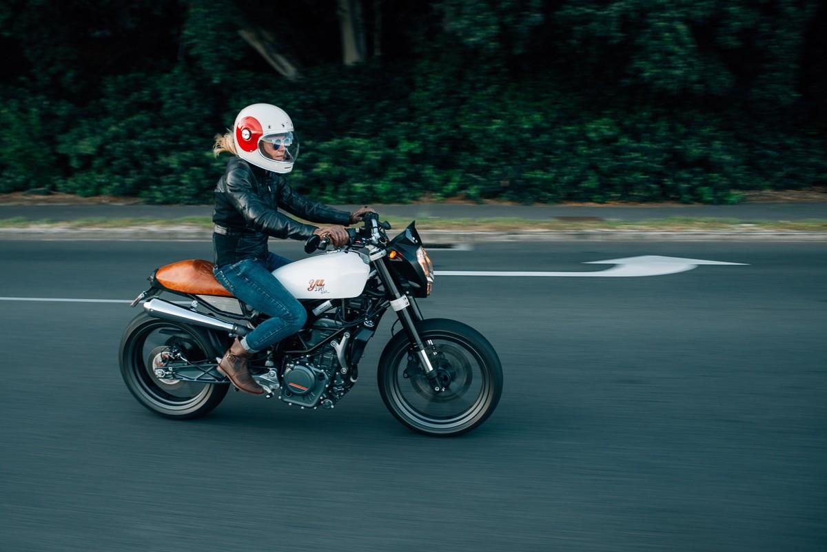 Nina S Ktm 390 Duke Throttle Roll
