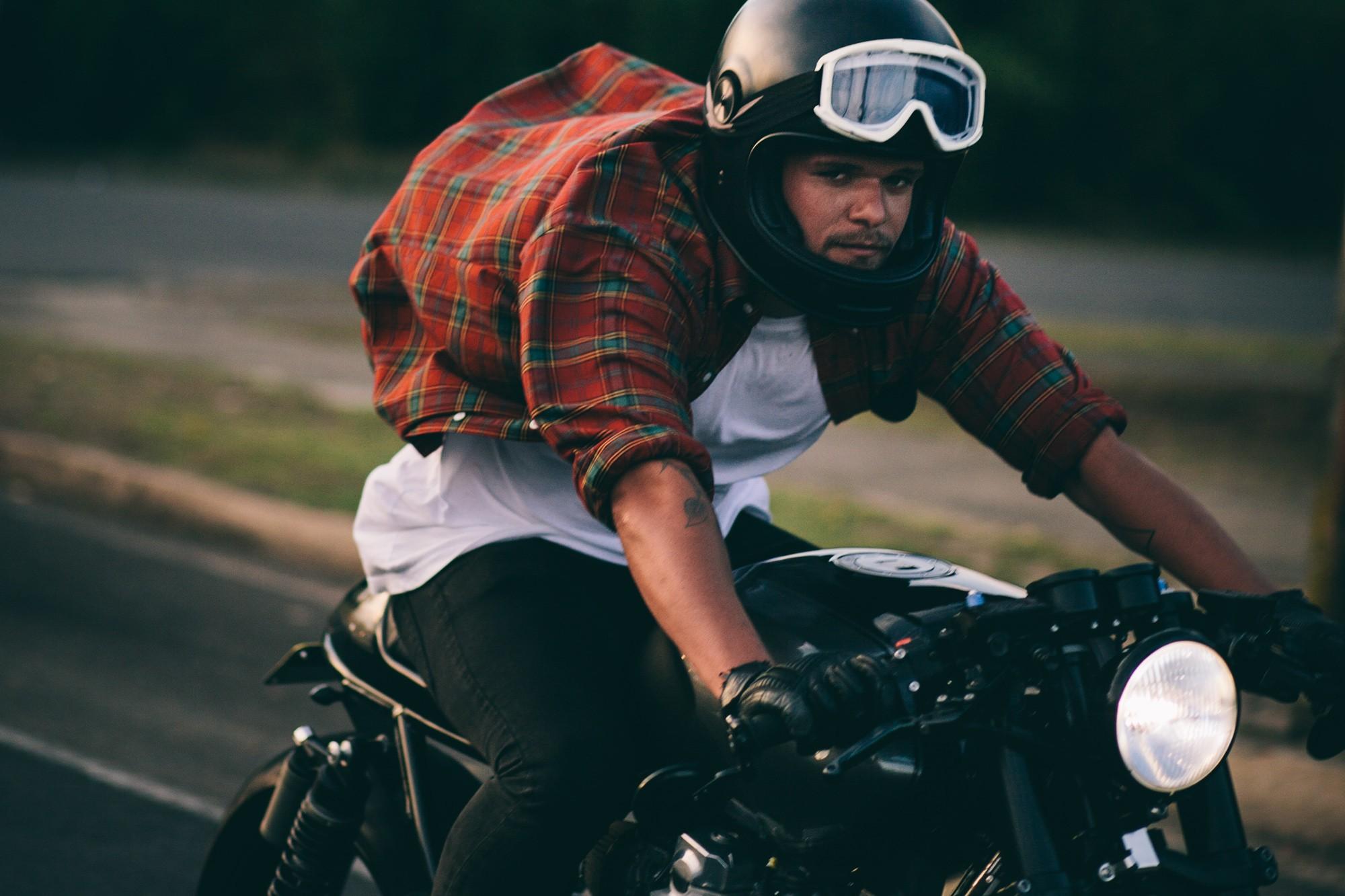 Ducati Scrambler Cafe Racer >> The Muscle Racer – Jamie's Yamaha XJR 1300 | Throttle Roll