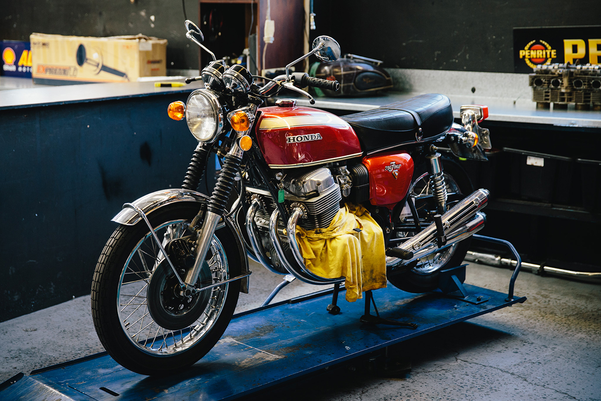 Surfside_Motorcycle_Japanese_8427