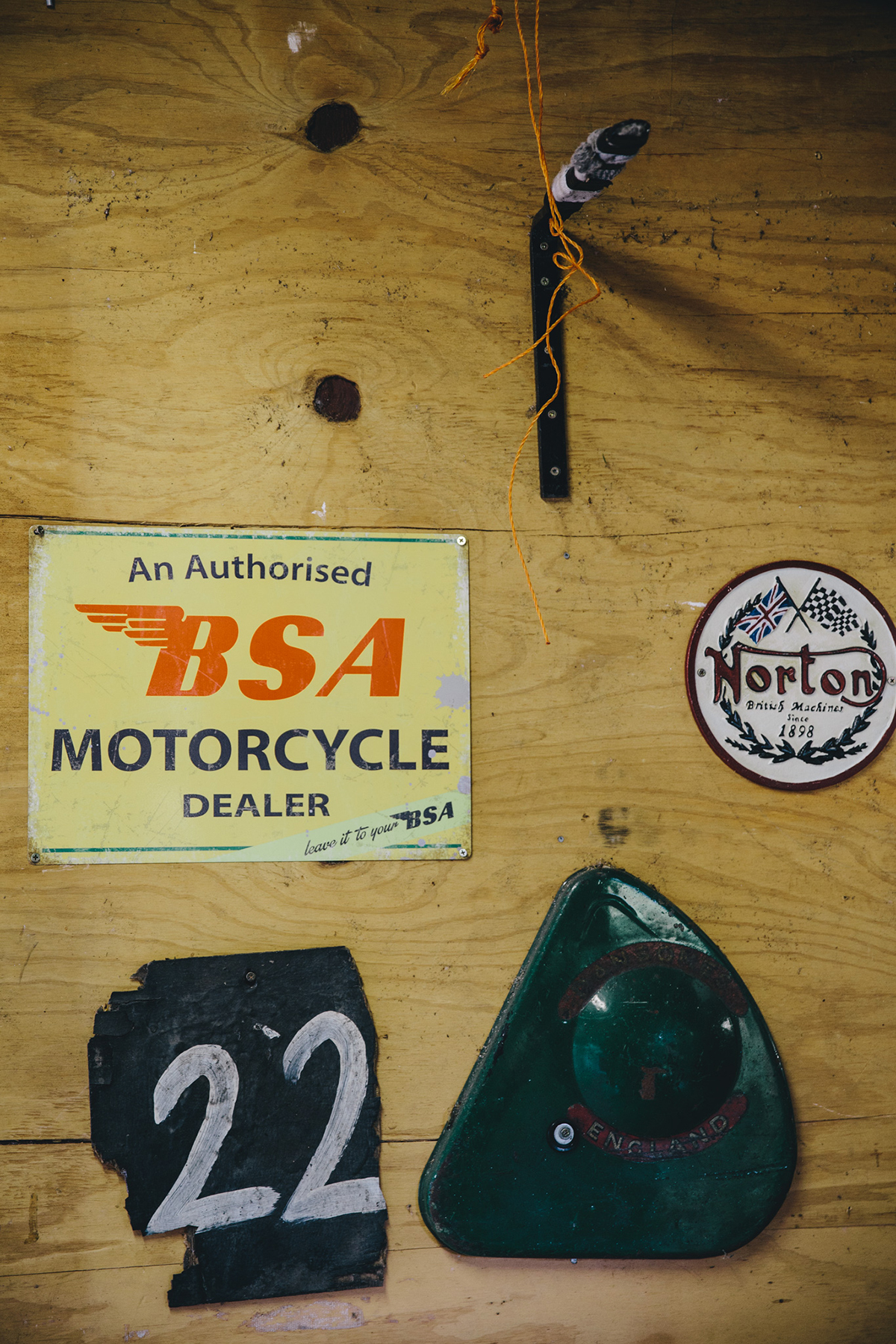 inas_garage_thruxton_mg-7