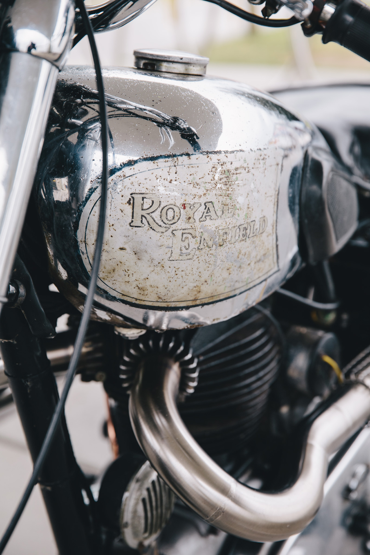 royal_enfield_bobber_j2-83