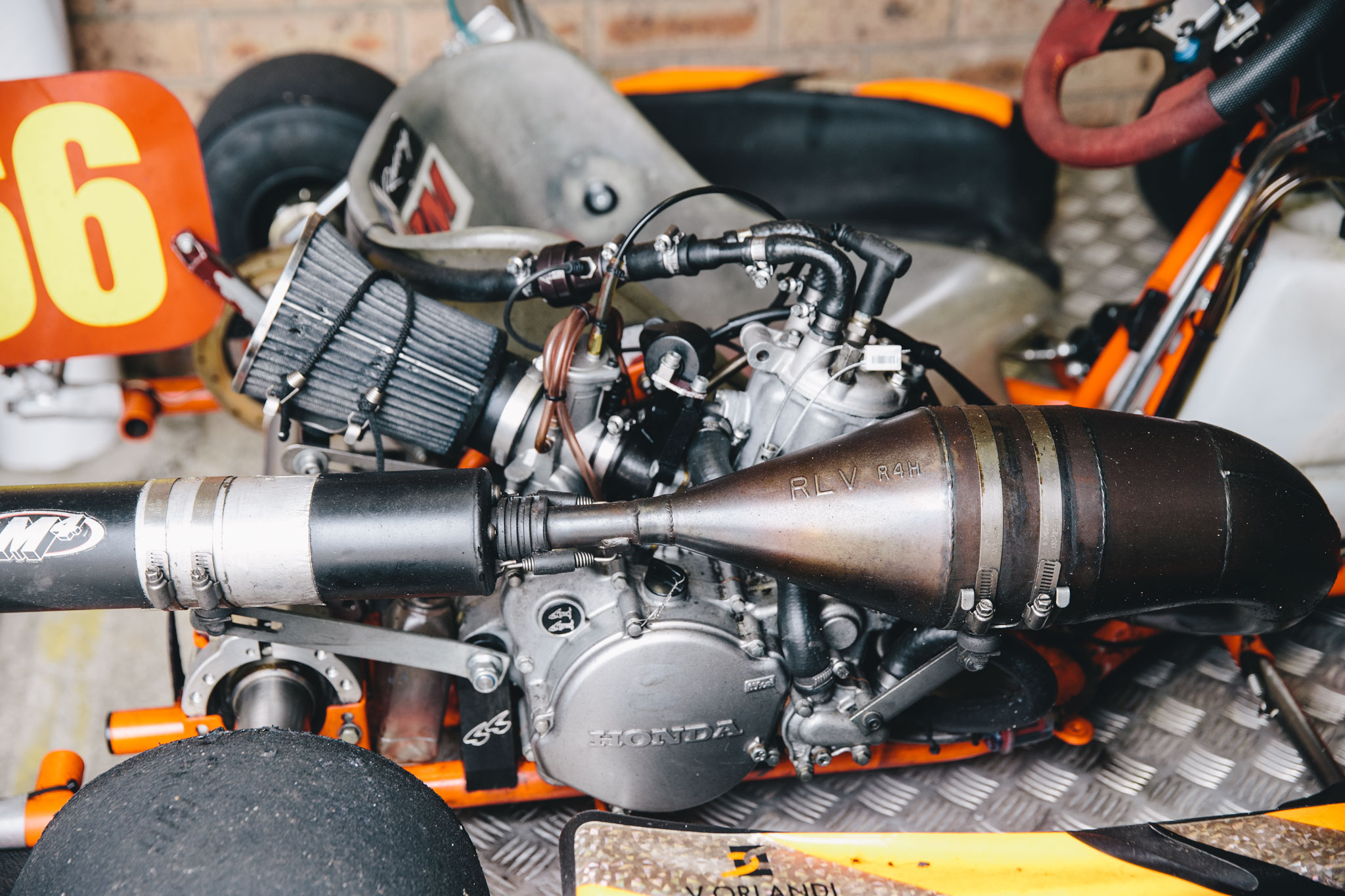 garage_session_ducati_harley_davidson_4593