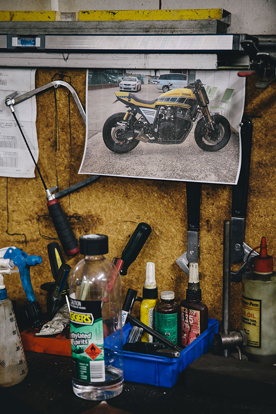 garage_session_ducati_harley_davidson_4689
