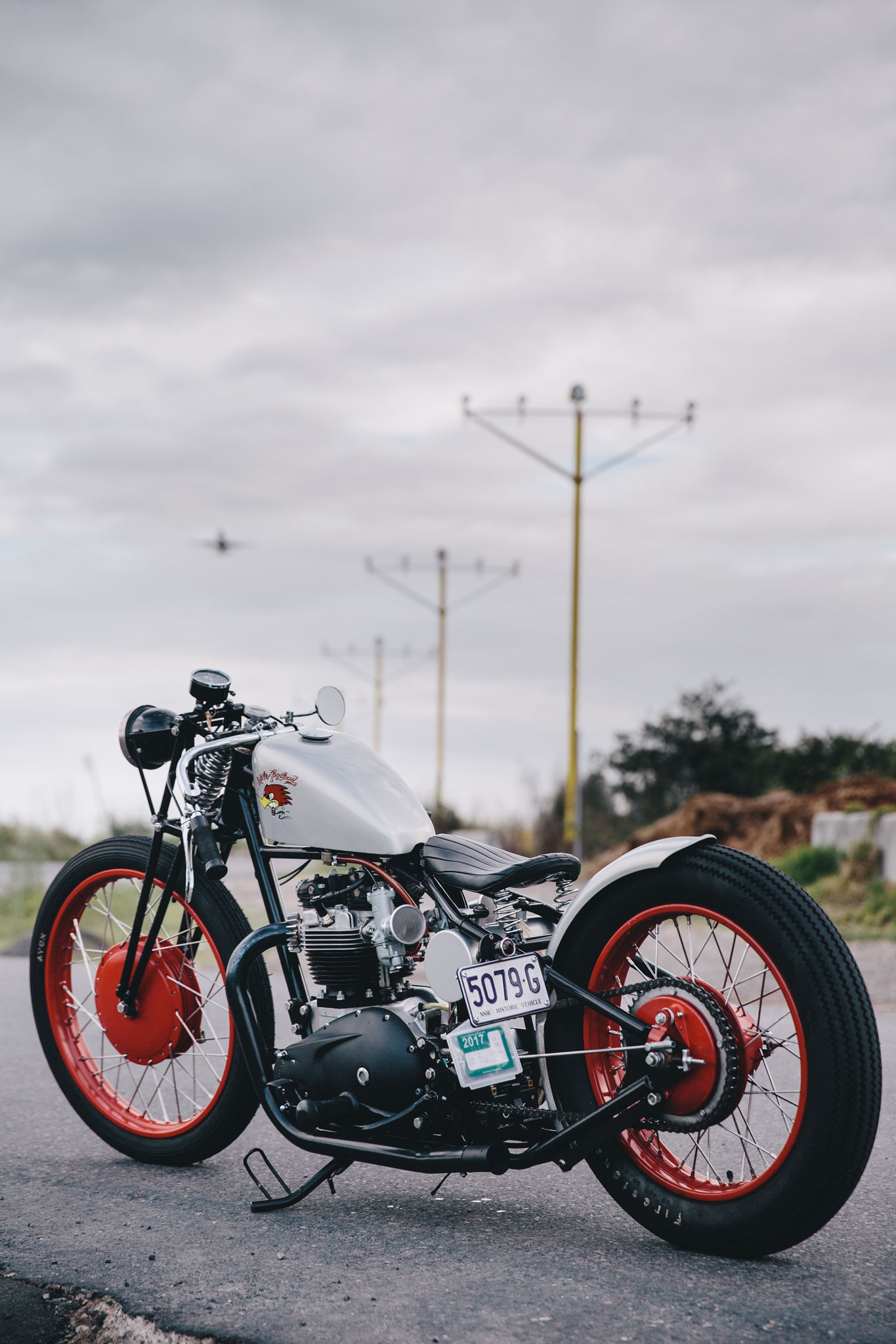 triumph_bobber_hard_tail-11