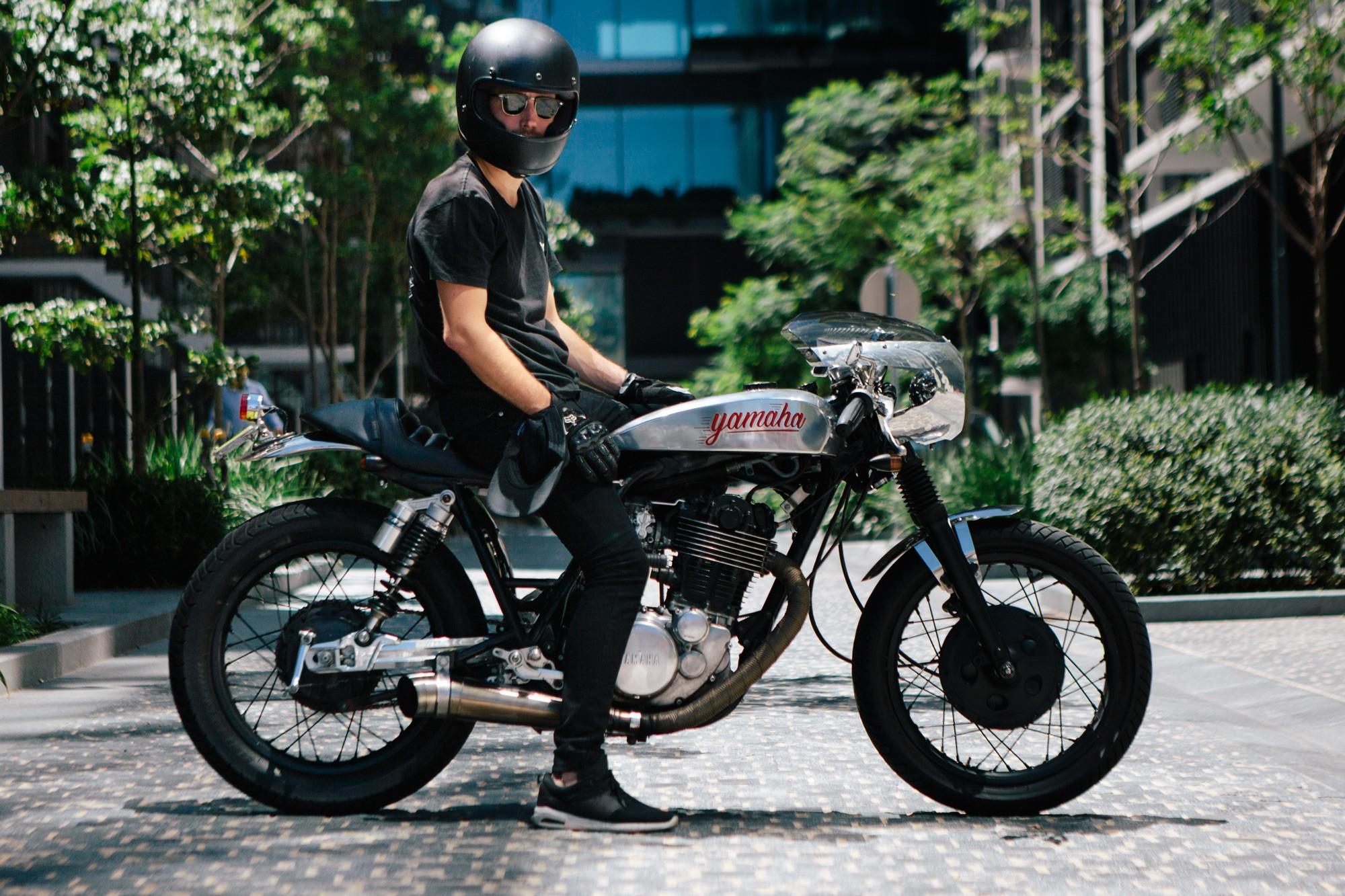 pat's sr400 cafe racer – throttle roll
