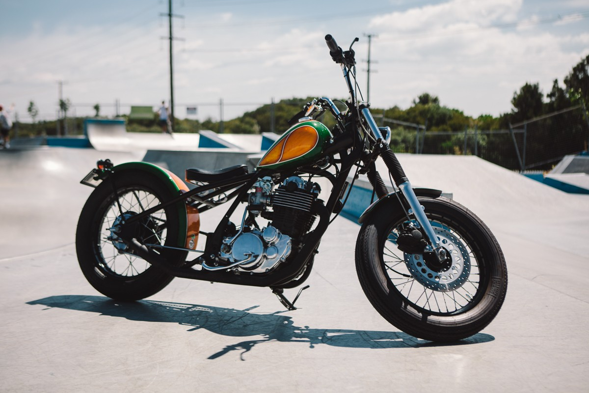 resurrected yamaha sr400 bobber throttle roll