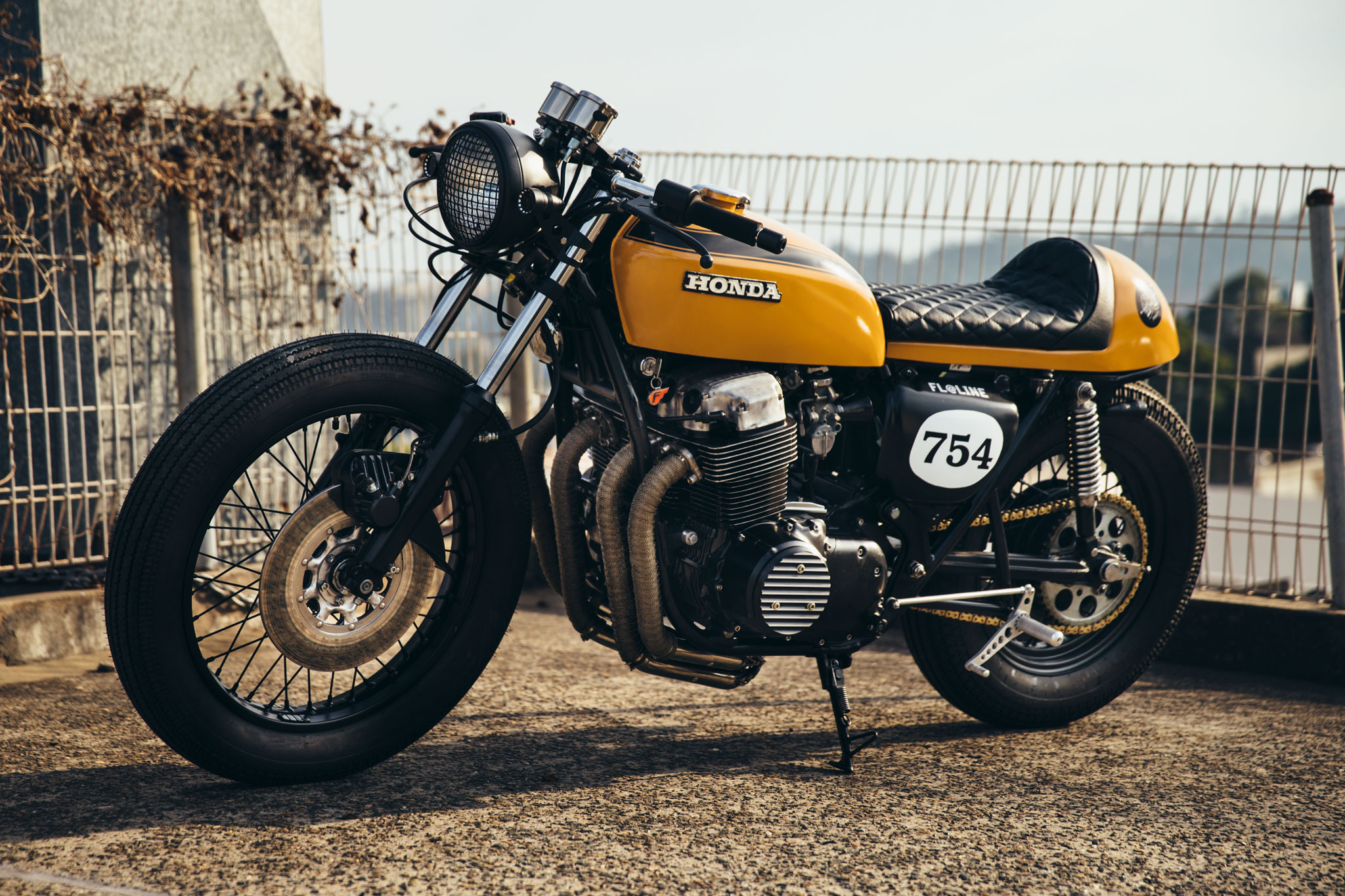 Préférence Julian's Honda CB750 Cafe Racer | Throttle Roll TL35